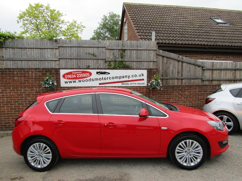 View VAUXHALL ASTRA VVT Excite  Only 41,000 miles,  Full Vauxhall Service History