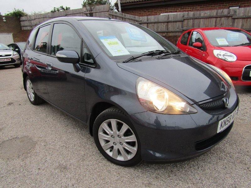 View HONDA JAZZ i-DSi SE   Only 38,000 miles Full Service History**9 Honda Service Stamps   2 Owners